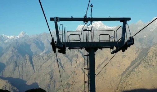 Chairlift in Auli